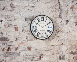 zegar ścienny z oddzielnym sekundnikiem